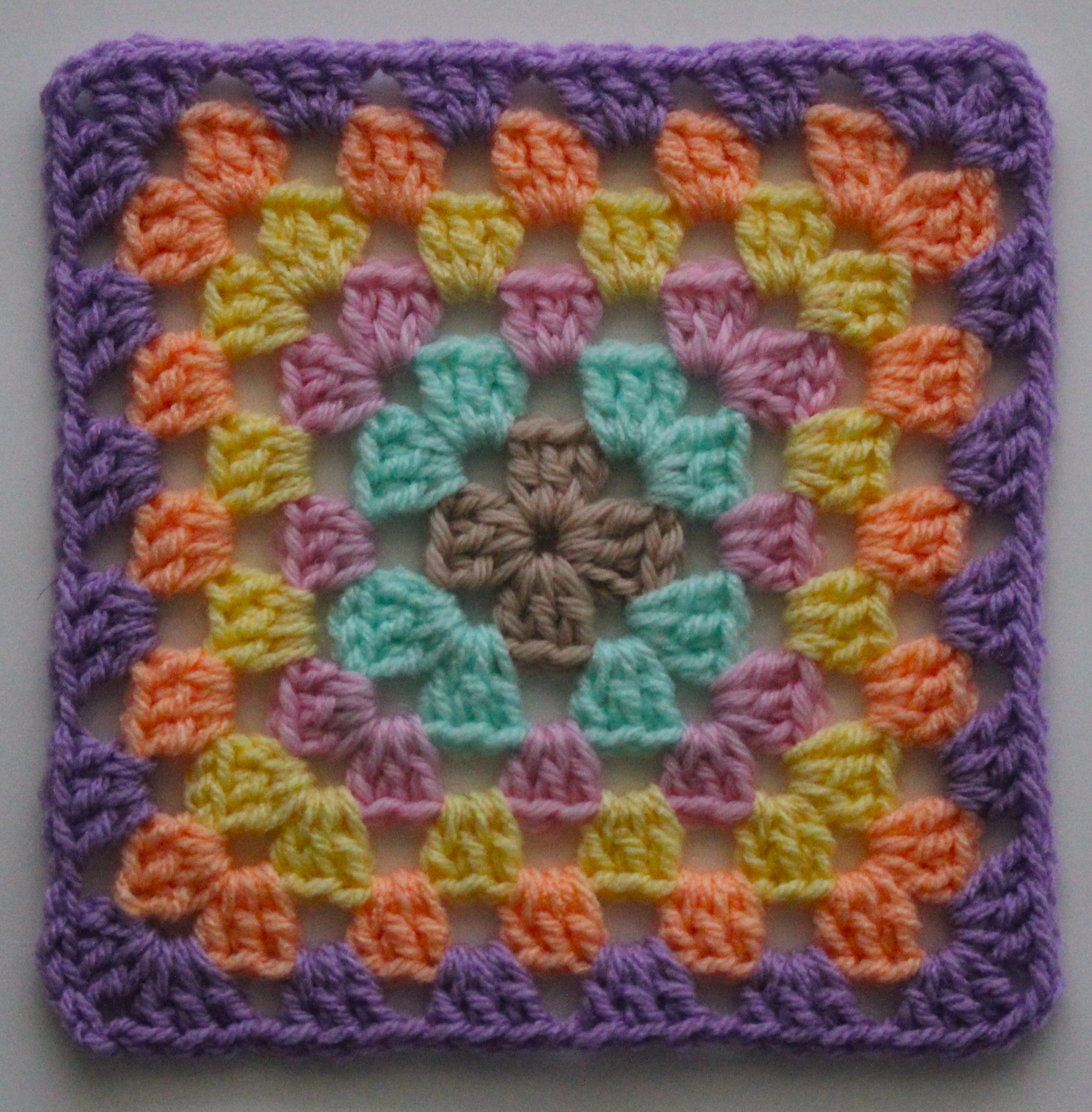 Crochet Basic Granny Square Tutorial : FREE Motif Monday: Basic Granny Square Sarah London