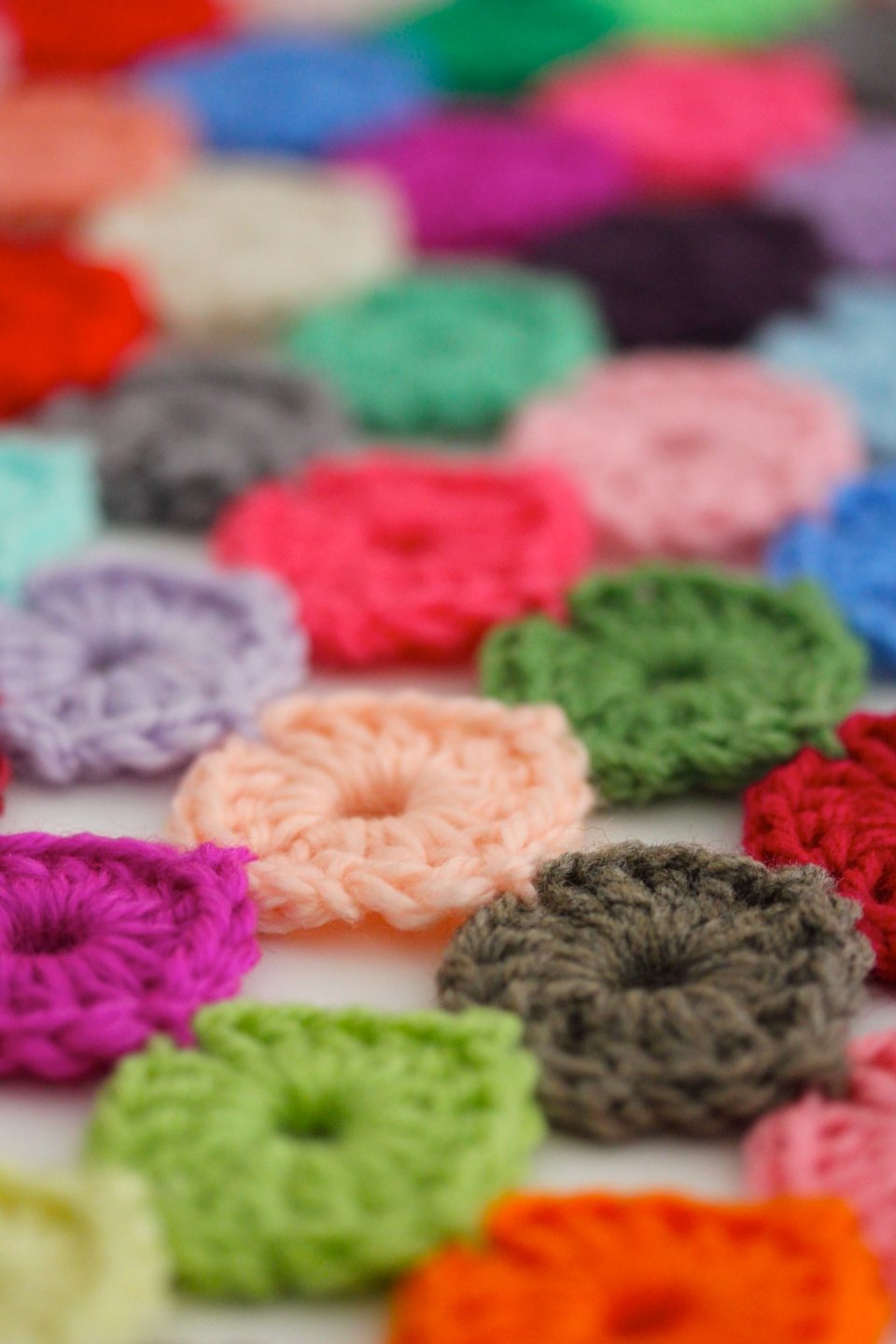 Crochet Yoyo Patterns : Crochet a Yo-Yo Coverlet Sarah London