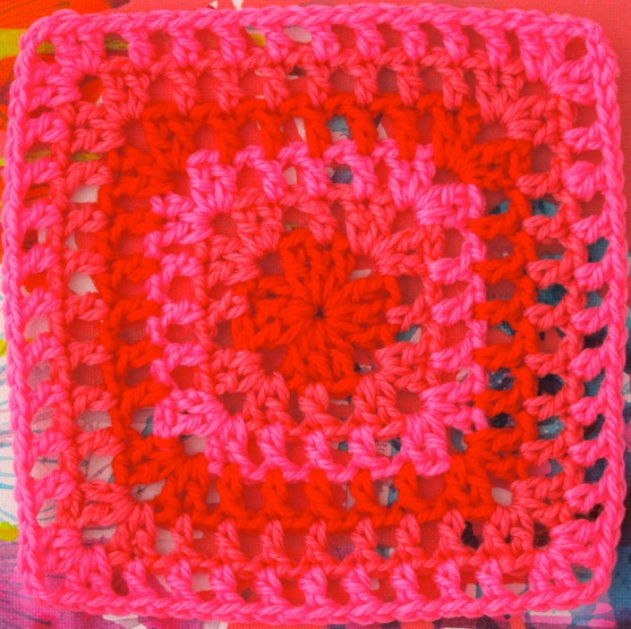 FREE Motif Monday: Lacy Granny Square | Sarah London